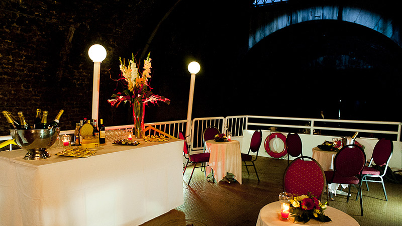 Cruise aperitif on the River Seine